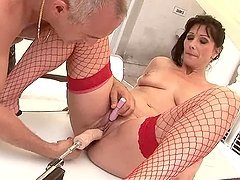 Mature brunette Susan gets her pussy unforgettably toyed