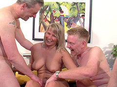 Blonde cougar with a chubby body enjoying a hardcore threesome