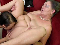 porno-lesbi-zrelie-tub