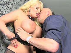 Alura Jenson gives a blowjob kneeling and gets pounded