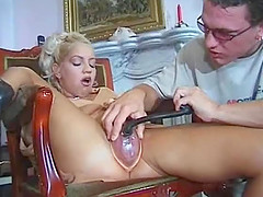 Blonde goddess is enjoying a hardcore plowing game