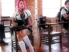Anna Bell Peaks enjoys a nasty orgy with horny ladies
