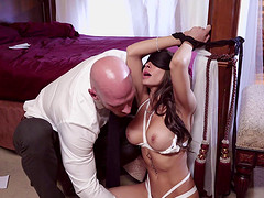 Gorgeous Madison Ivy seduced for an erotic sex game