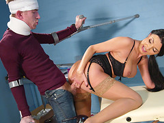 MILF doctor Ania Kinski opens her legs for a lucky patient