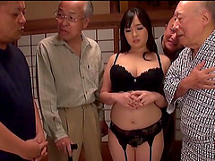 Nonami Shizuka pleases two older guys by sucking their cocks
