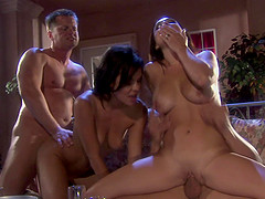 Hardcore porn star threesome with slutty Ruby Knox and Holly West