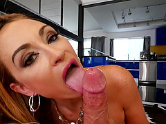 Blonde MILF babe Claudia Valentine gives a sloppy blowjob