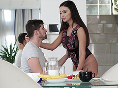 Brunette MILF bombshell Alyssia Kent swallows a huge cumshot