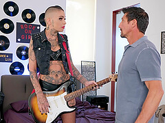 Short haired punk babe Leigh Raven fucked and facialized